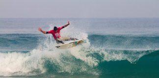 Ein Teilnehmer der Surf DM 2014 gibt alles.
