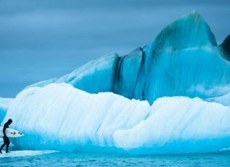 """Chris Burkard zeigt uns in seinem neuesten Buch """"Distanz Shorts"""" die kältesten Surfspots dieser Erde."""