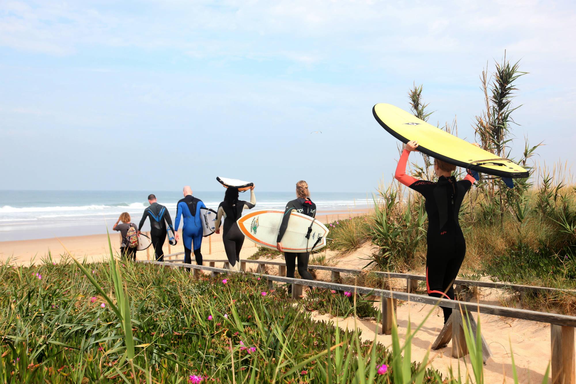 Vom A-Frame Surfcamp sind es nur wenige Meter bis zum Strand.