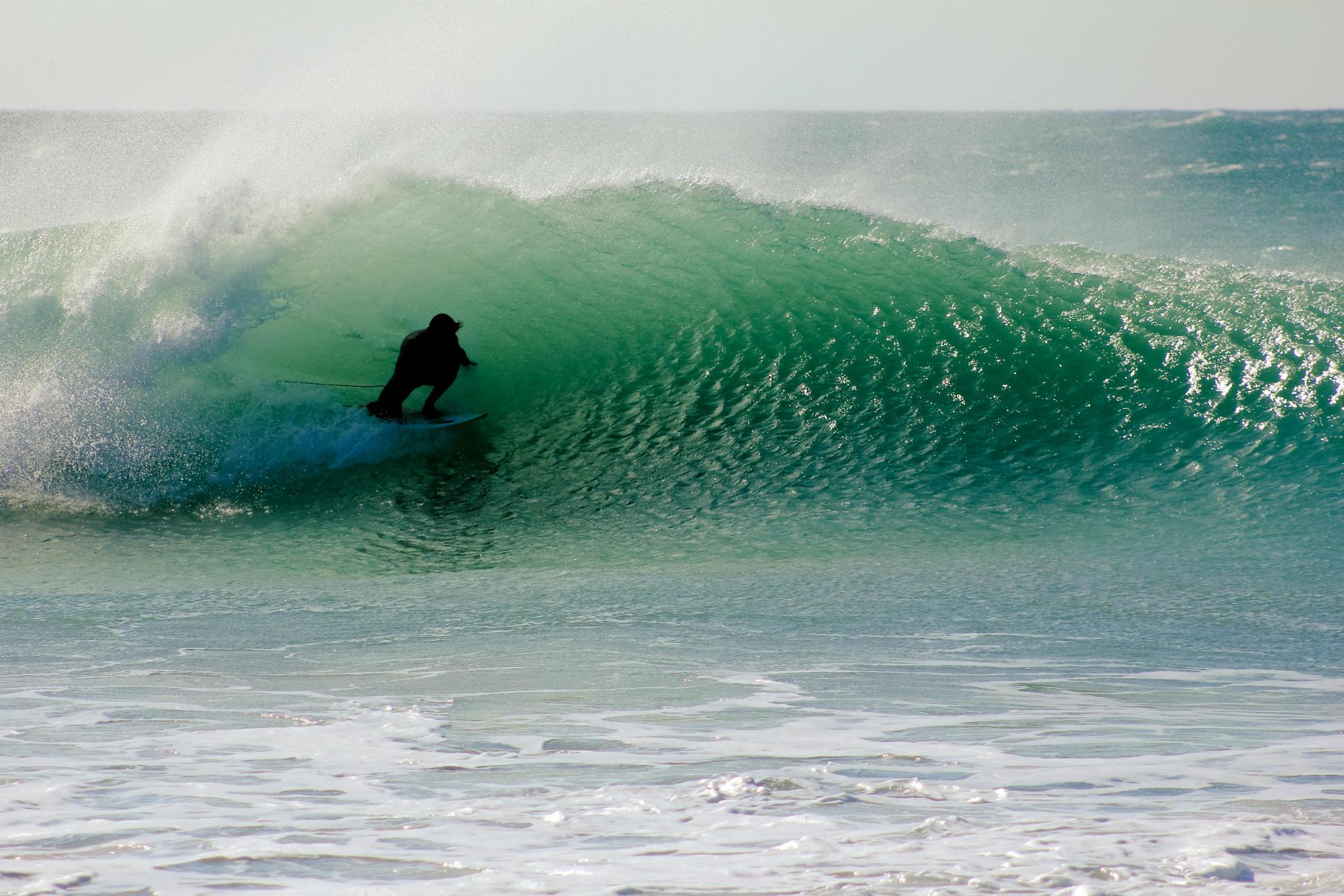 Perfekte und leere Wellen warten auf euch in Andalusien!