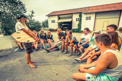 Im Liquid Surfhouse lernst du alles, was du brauchst, um ein Top-Surfer zu werden.