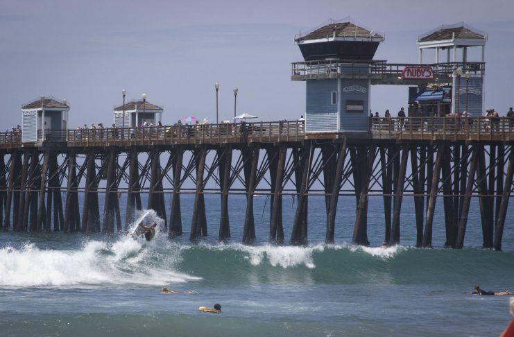 Im The Cali Camp könnt ihr an berühmten Spots wie Trestles surfen.