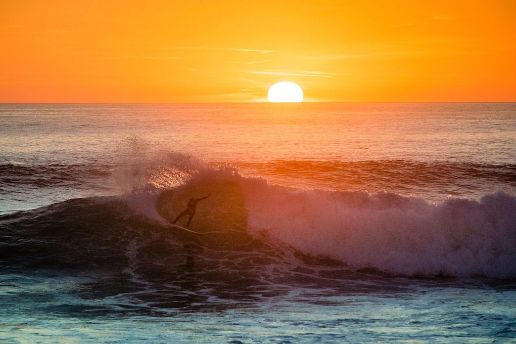 Sonnenuntergänge und perfekte Wellen – was will man mehr?