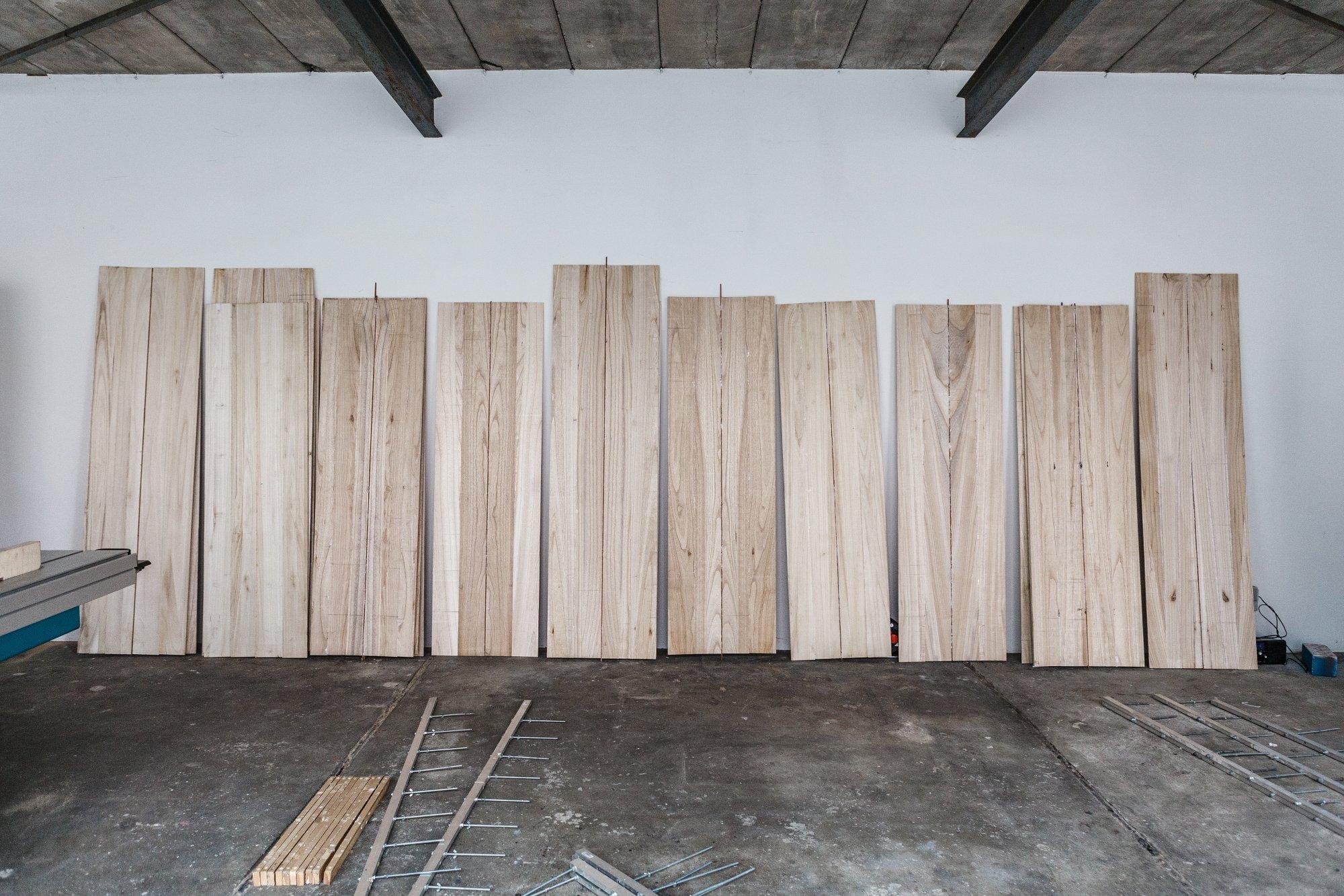 So sehen die Blanks aus Paulownia-Holz vor dem Shapen aus.