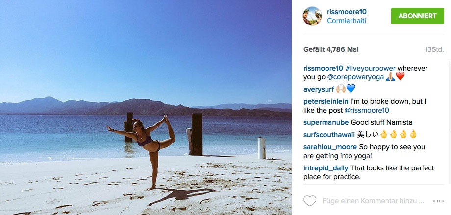 Yoga ist das beste Mittel, um on the Road verkrampften Muskeln vorzubeugen. Carissa Moore machts vor.