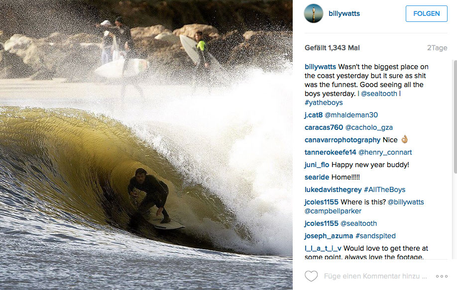 Dane Reynolds parkt im Sandspit-Pit und lässt die Welle die ganze Arbeit machen.