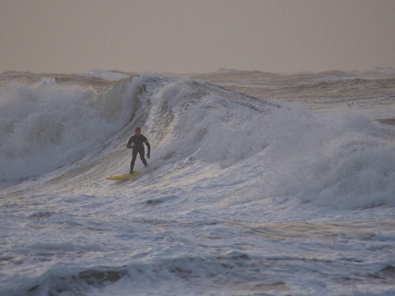 Klassische Sylter Surfbedingungen ist man gewöhnt, wenn man auf der Insel aufgewachsen ist.