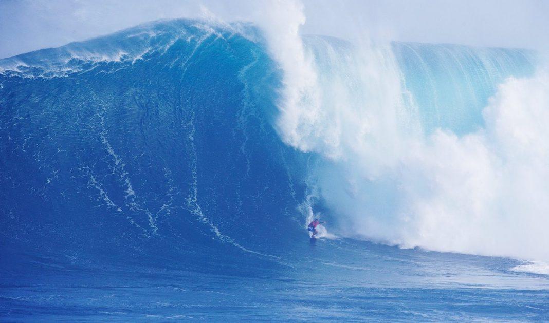 Yuri Soledad auf einer der größten Jaws-Wellen diesen Jahres.
