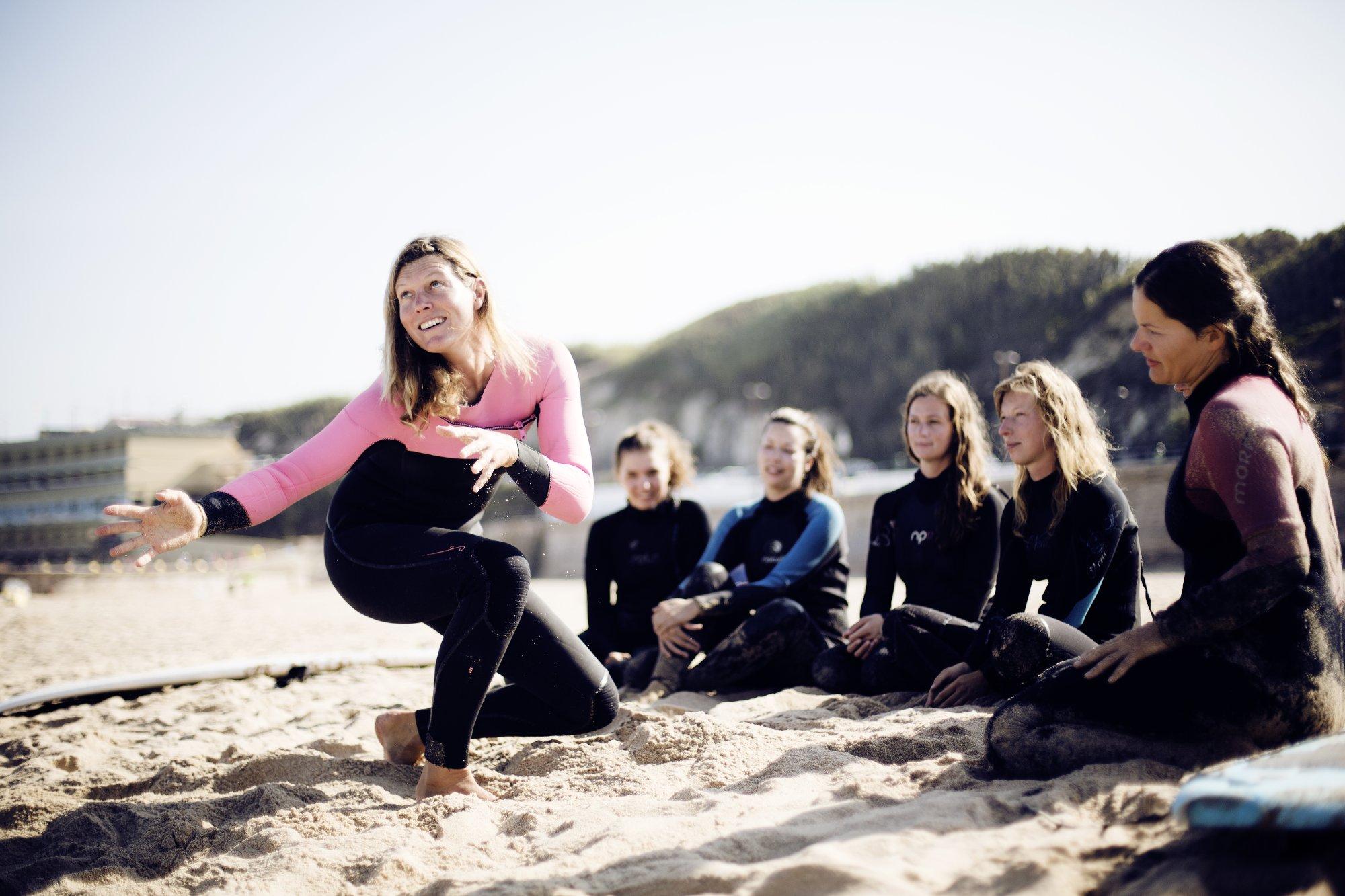 Im Salty Way Surfcamp machst dank engagierter Lehrer schnell Fortschritte.