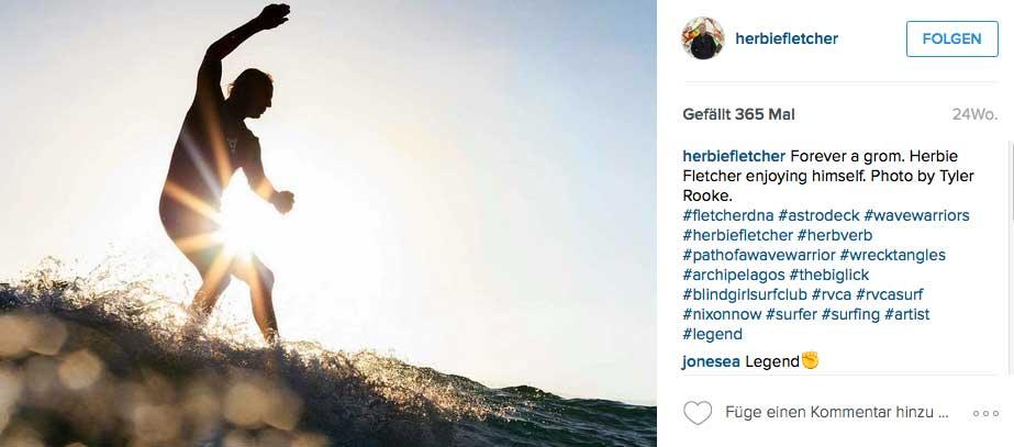 Herbie Fletcher surft mit fast 68 Jahren immer noch eleganter, als die Hälfte der restlichen Surfer im Lineup. Ach, auf dem Skateboard ist er auch noch unterwegs.