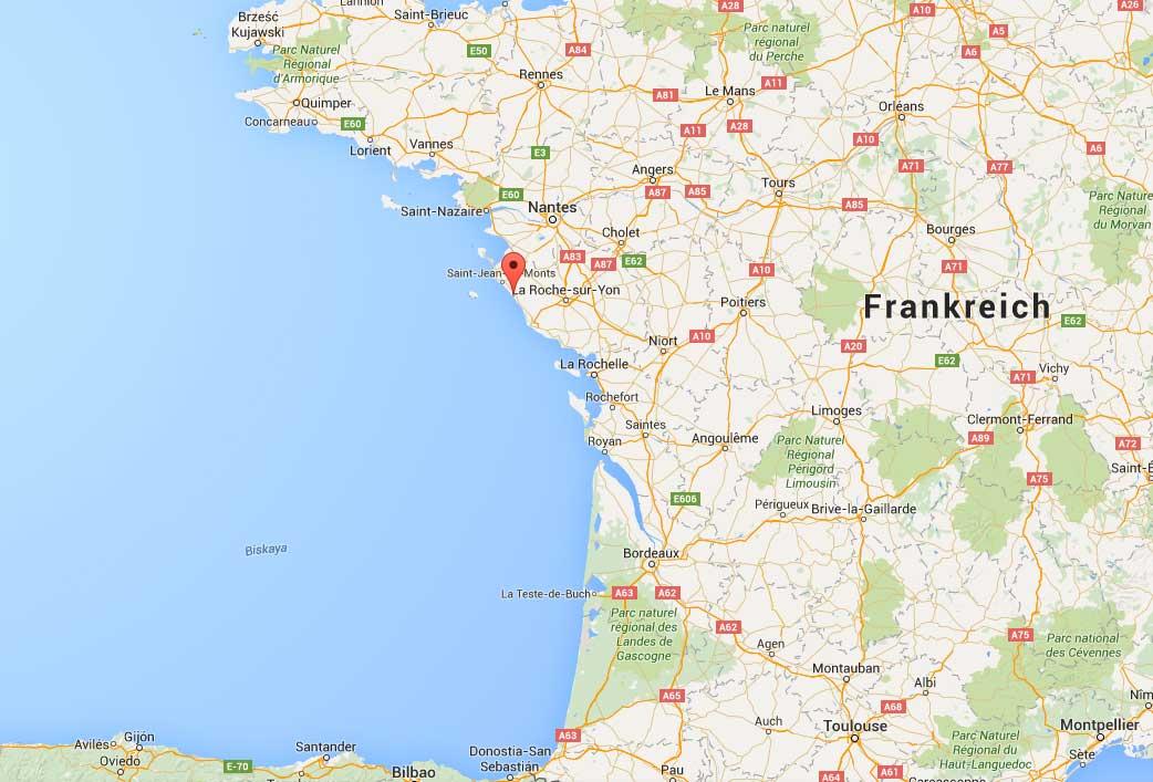 Direkt von Bordeaux dauert die Fahrt über drei Stunden. Wer aber seine Route bei der Anreise durch Frankreich etwas nach Norden verlegt, kommt fast direkt bei der neuen Welle an.