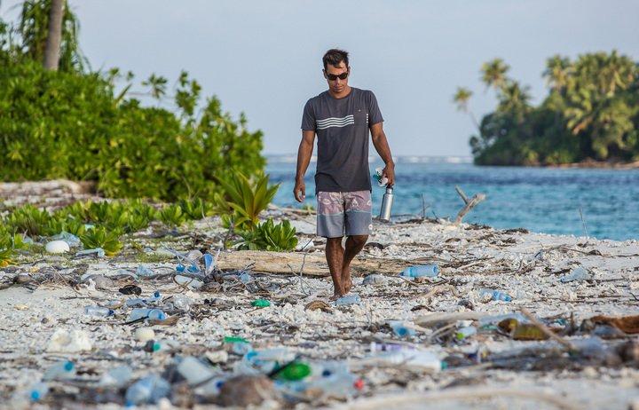 Wer schon einmal auf den Malediven war, weiß, dass es dort an vielen Stränden wirklich so aussieht...