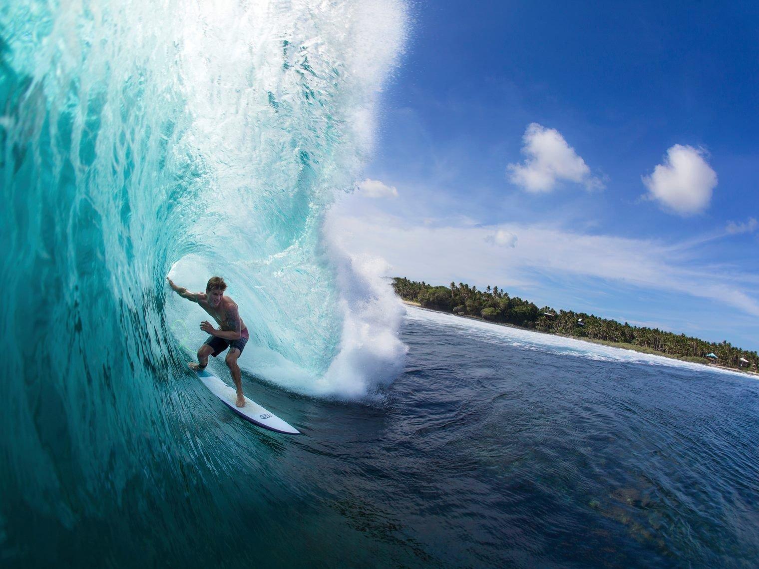 """Wer schon immer von solchen Wellen geträumt hat, ist auf Siargao genau richtig! (Aber keine Sorge, es gibt auch ein paar """"benutzerfreundlichere"""" Breaks...)"""