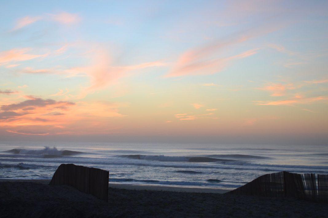 Michi Mohr scorte an diesem Strand in Nordportugal eine Woche lang perfekte Wellen ganz allein.