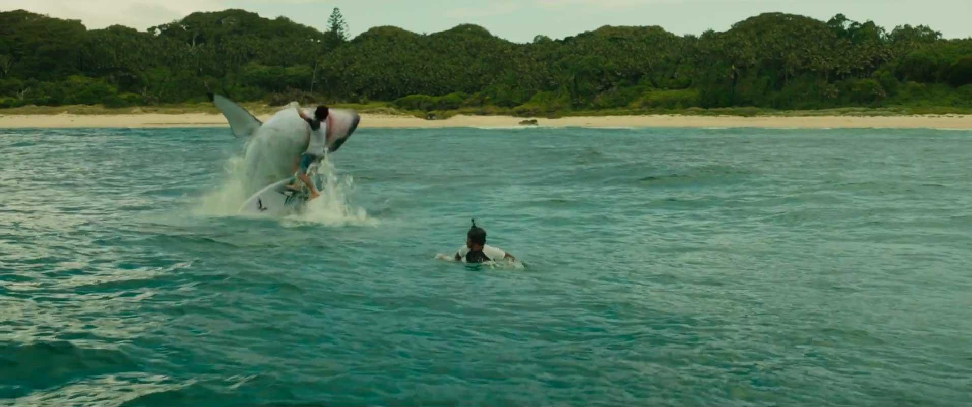 Es gibt noch mehr Surfer in dem Film, allerdings mit recht kleinen (kurzen) Rollen.