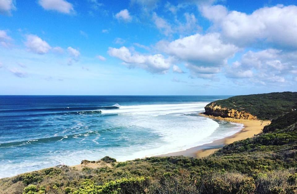 Bells Beach, wenn Swell und Wind perfekt harmoniren: 6 Fuß und Offshore. Der größte Tag, den Valeska bisher hier gesurft hat.
