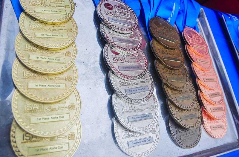 Bei den ISA-Weltmeisterschaften gab es bisher die einzigen Medaillen, die es im Surfen zu gewinnen gab.