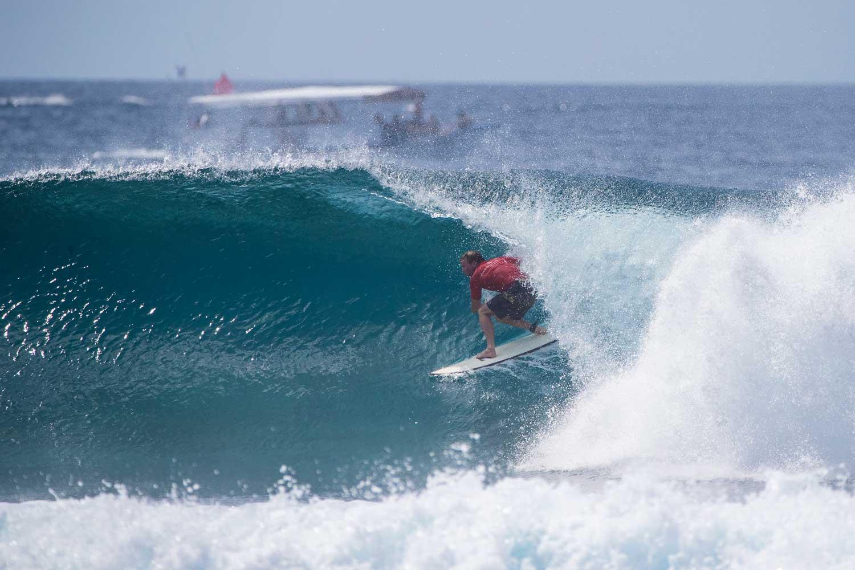 Glücklich schätzen können sich sieben Surfer, die gerade bei der Four Seasons Maldives Surfing Champions Trophy Sultans ganz für sich alleine haben. Einer von ihnen ist Taj Burrow.