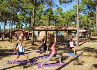 Im Wavesisters Camp in Carcans Plage, Frankreich, könnt ihr surfen und Yoga machen soviel ihr wollt.