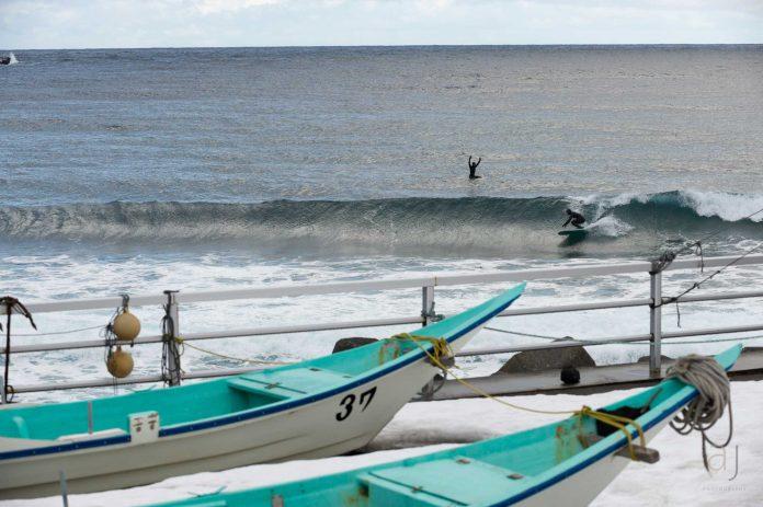 Jeden Morgen stelte sich die gleiche Frage: Freeriden oder Surfen? Am Ende wurde mehr gesurft.