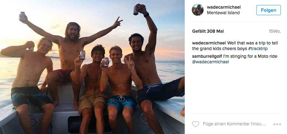 """Die fünf Surfer, die in """"Condoms"""" so perfekt Wellen fanden, wie noch nie zuvor in ihrem Leben."""