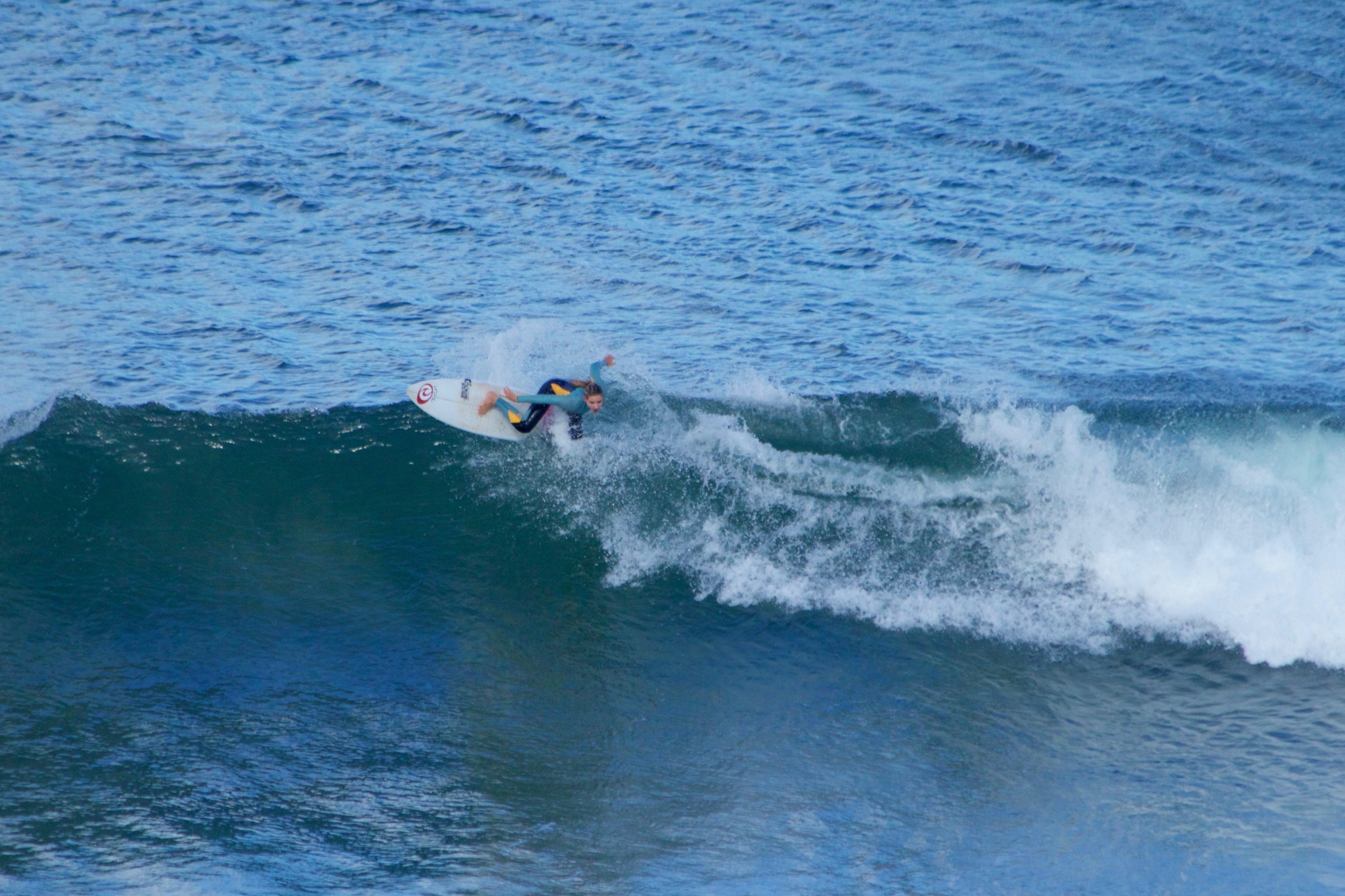 Die Münchnerin Valeska Schneider hat den Winter über an der australischen Gold Coast an ihren Surf-Skills gefeilt. Ob sie sich dieses Jahr endlich auch den Titel bei den Open Women holen kann? Foto: Kerry Haysom