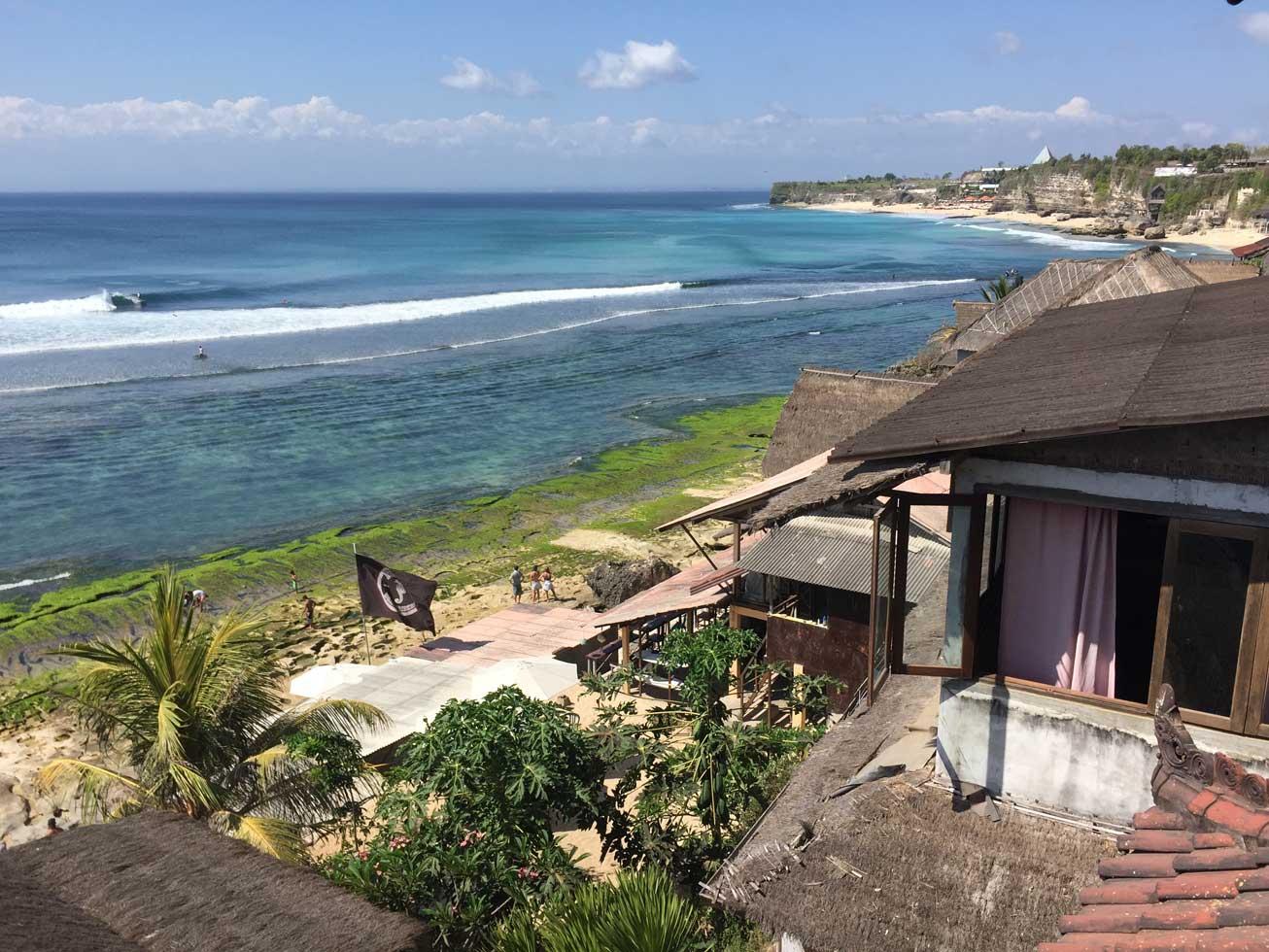 Die Bukit-Halbinsel mit ihren Spots darf sich kein Surfer entgehen lassen.