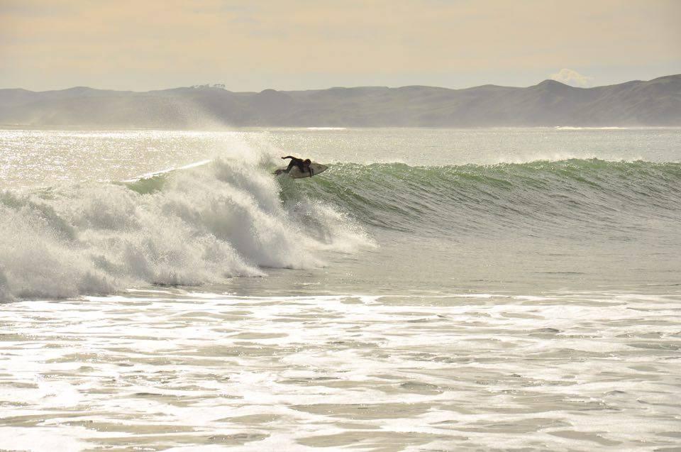 Dieses Jahr war Lukas recht selten am Eisbach surfen, dafür aber in Indo, Australien und Neuseeland.