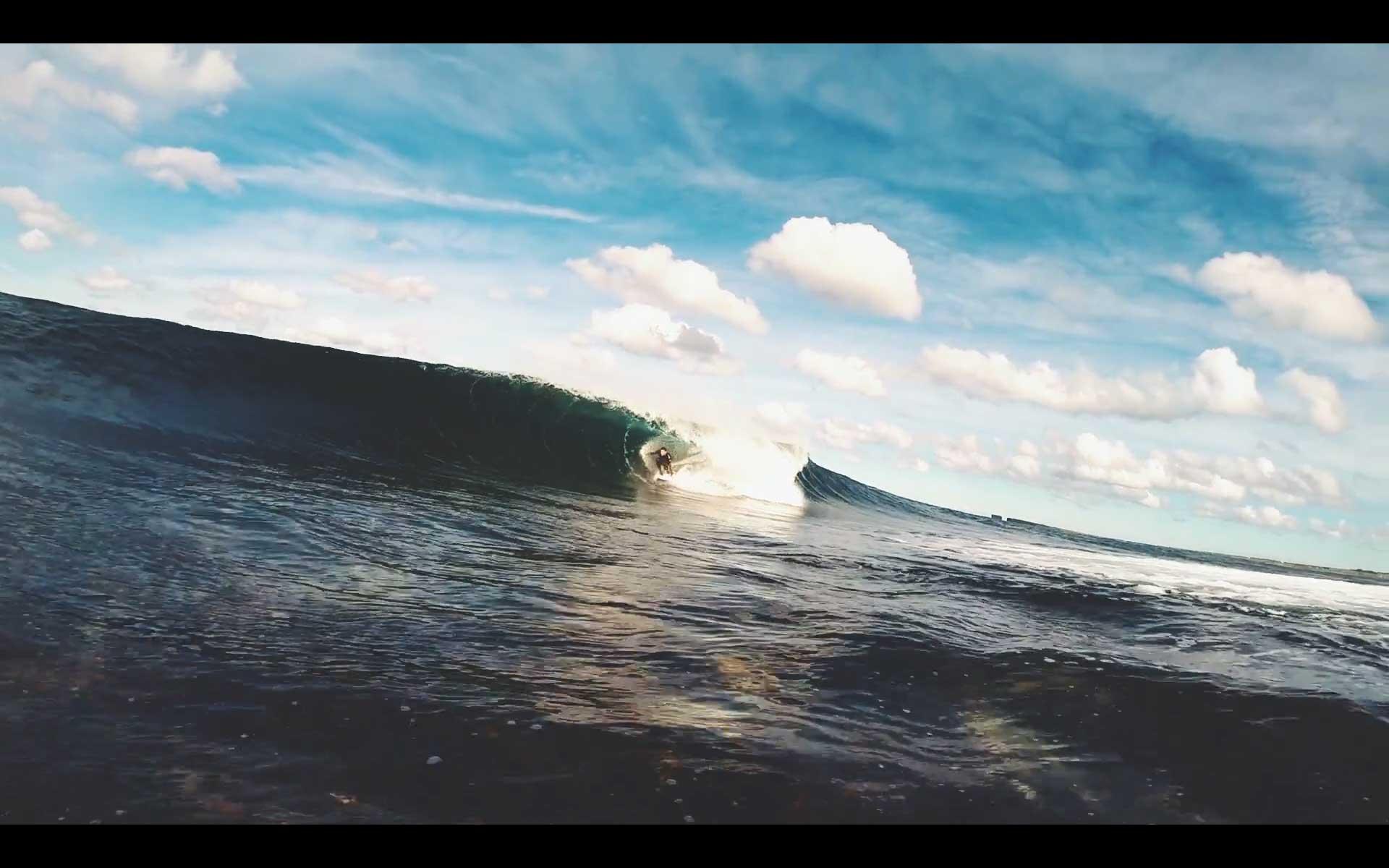 Irland, wenn die Wellen versuchen Indo nachzumachen.