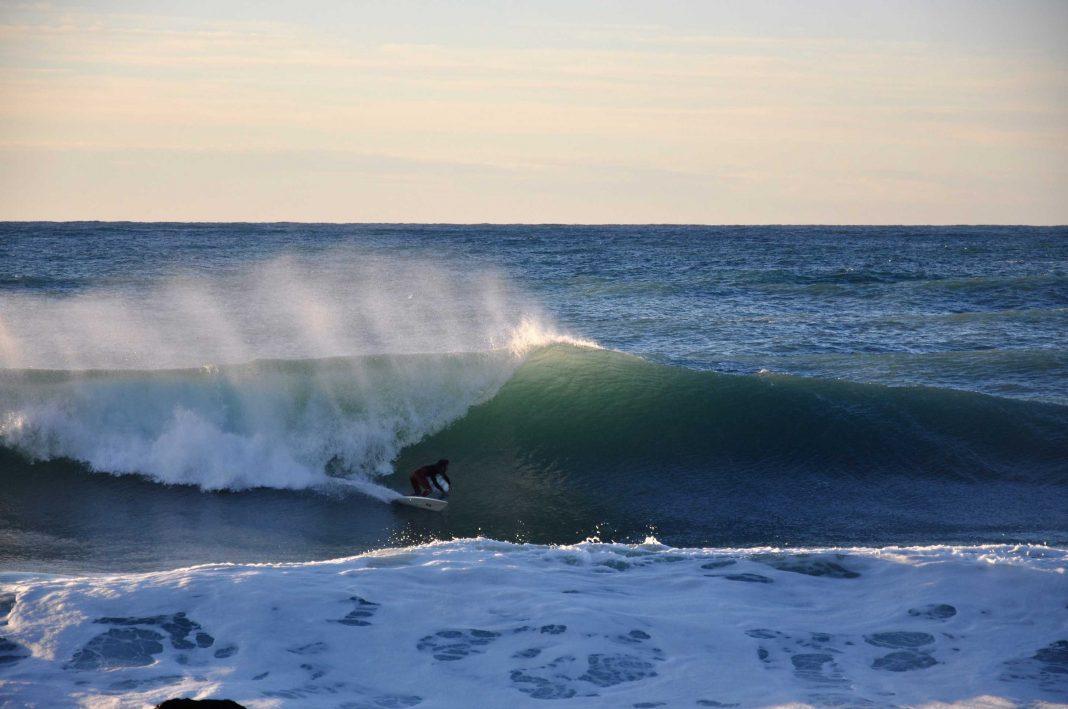 An diesem Tag bekam jeder genug Wellen ab und die Stimmung war im Wasser dementsprechend gut.