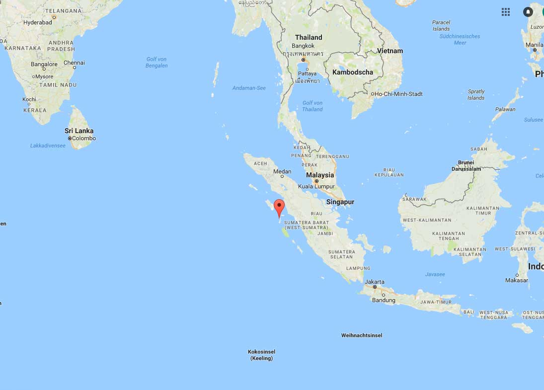Wer genau hinschaut wird auf der Karte Bali finden und kann sich dann in etwa vorstellen wie weit es von da bis nach Telo ist. Telo ist außerdem nur eine Insel der Batu Inseln, die nördlich von den Mentaweis vor Sumatra liegen.