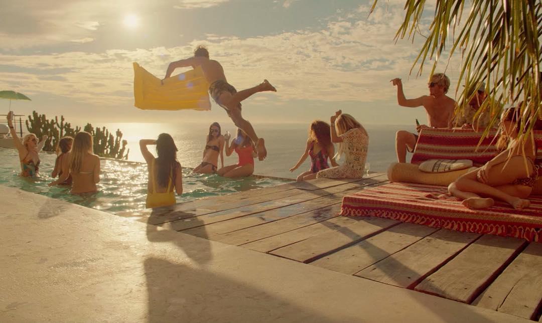 Leben Surf-Pros wirklich so oder sieht alles in Realität ganz anders aus?