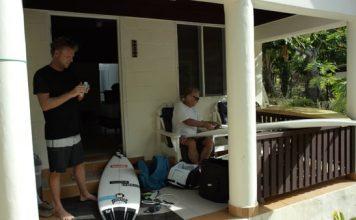 Taj Burrow und Dad auf gemeinsamen Surftrip