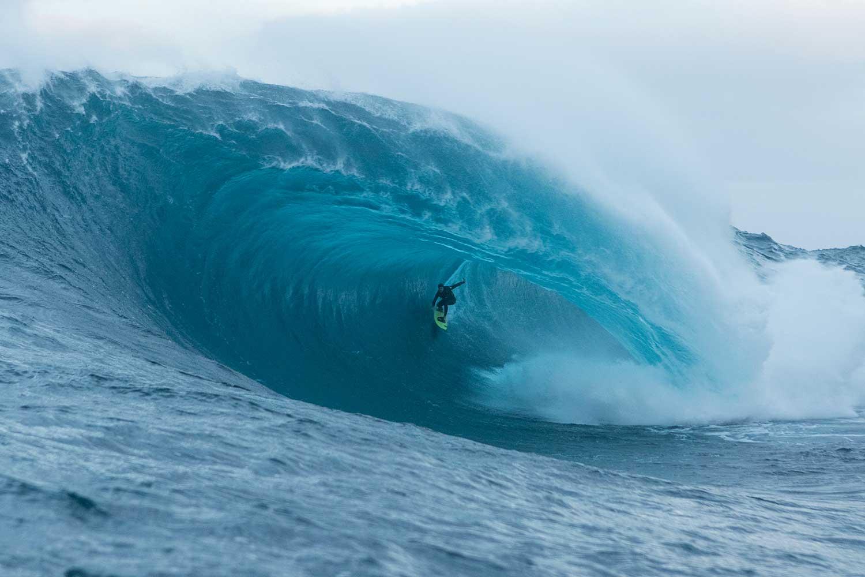 Eine Wellenlippe, von der wirklich niemand getroffen werden will. Credit: WSL / Jamie Scott