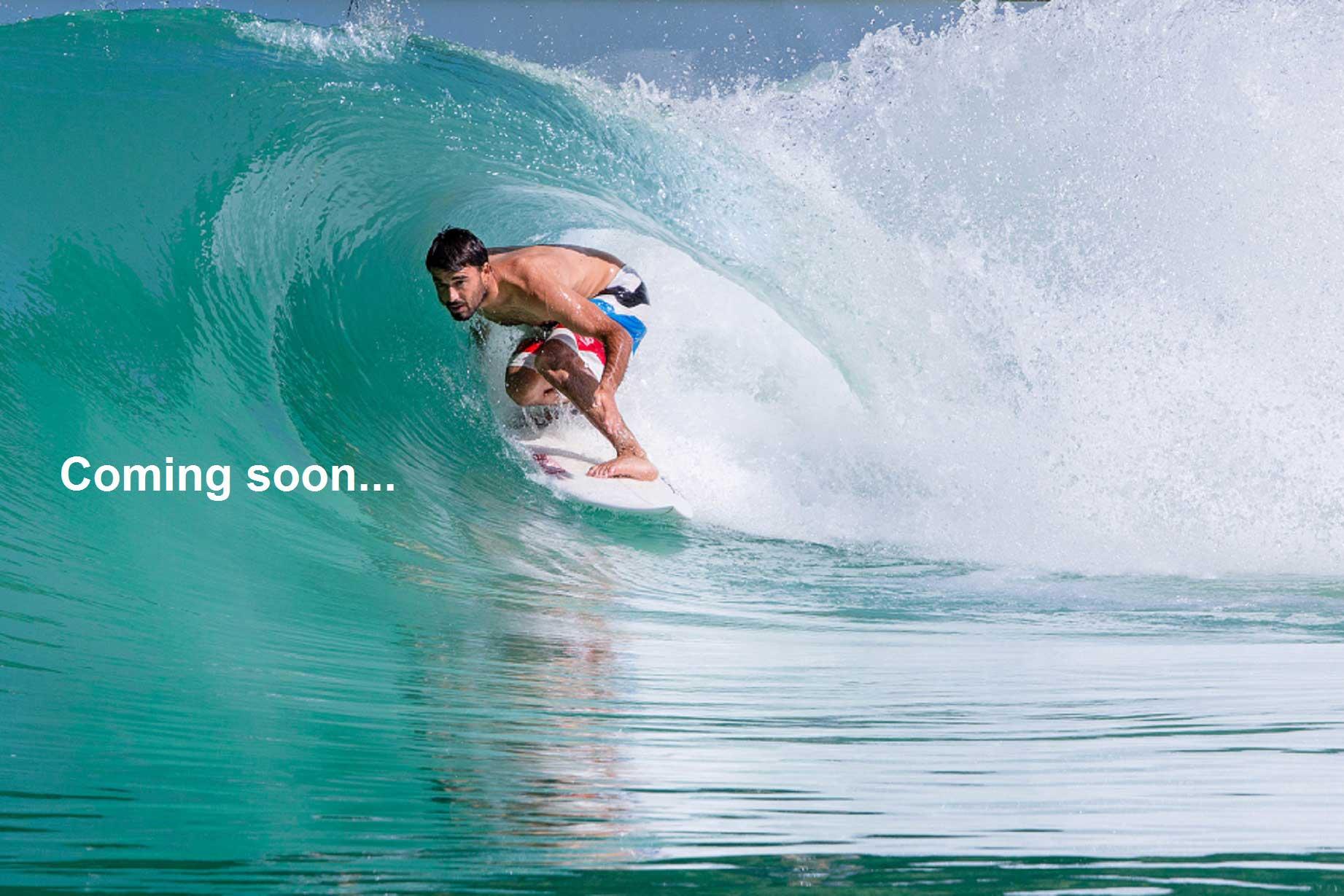 Das erste Foto aus dem neuen Wavepool der Wavegarden-Jungs. Schlapp wird diese Welle wohl wirklich niemand nennen.