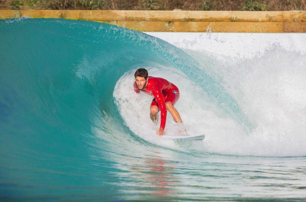Filipe Toledo gehörte zu den ersten Pros, die als Testdummys herhalten durften. Credit: Wavegarden