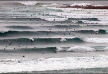 Keiner will crowded Surf! Wohin ihr deshalb diesen Sommer nicht reisen sollten, erfahrt ihr hier.