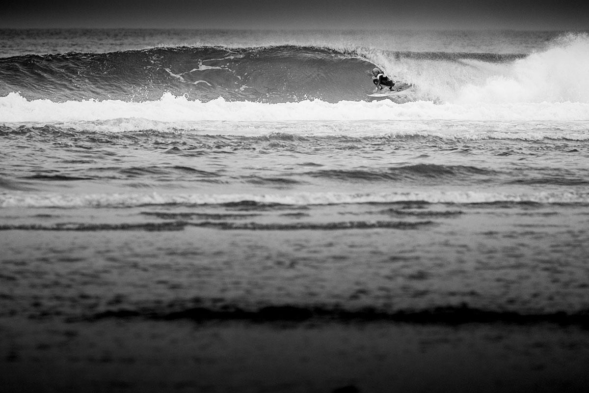 Tim Elter in weitaus besseren Wellen als sie diese Woche zu erwarten sind. Aber wer weiß, warten wir's ab. Credit: Patrick Steiner