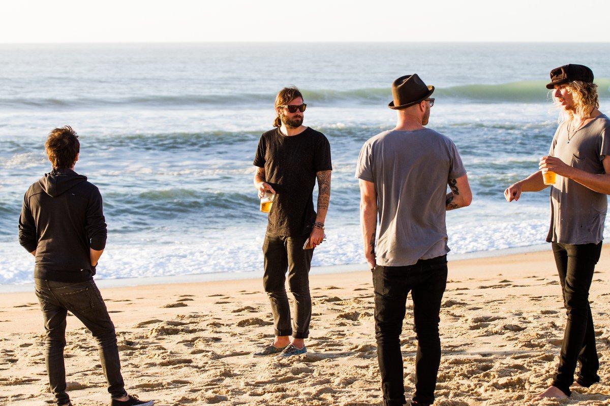 Die Sunset Sons an ihrem Homespot in Seignosse. Wir können nur hoffen, dass sie nach dem Fotoshooting noch ein paar Wellen genommen haben...