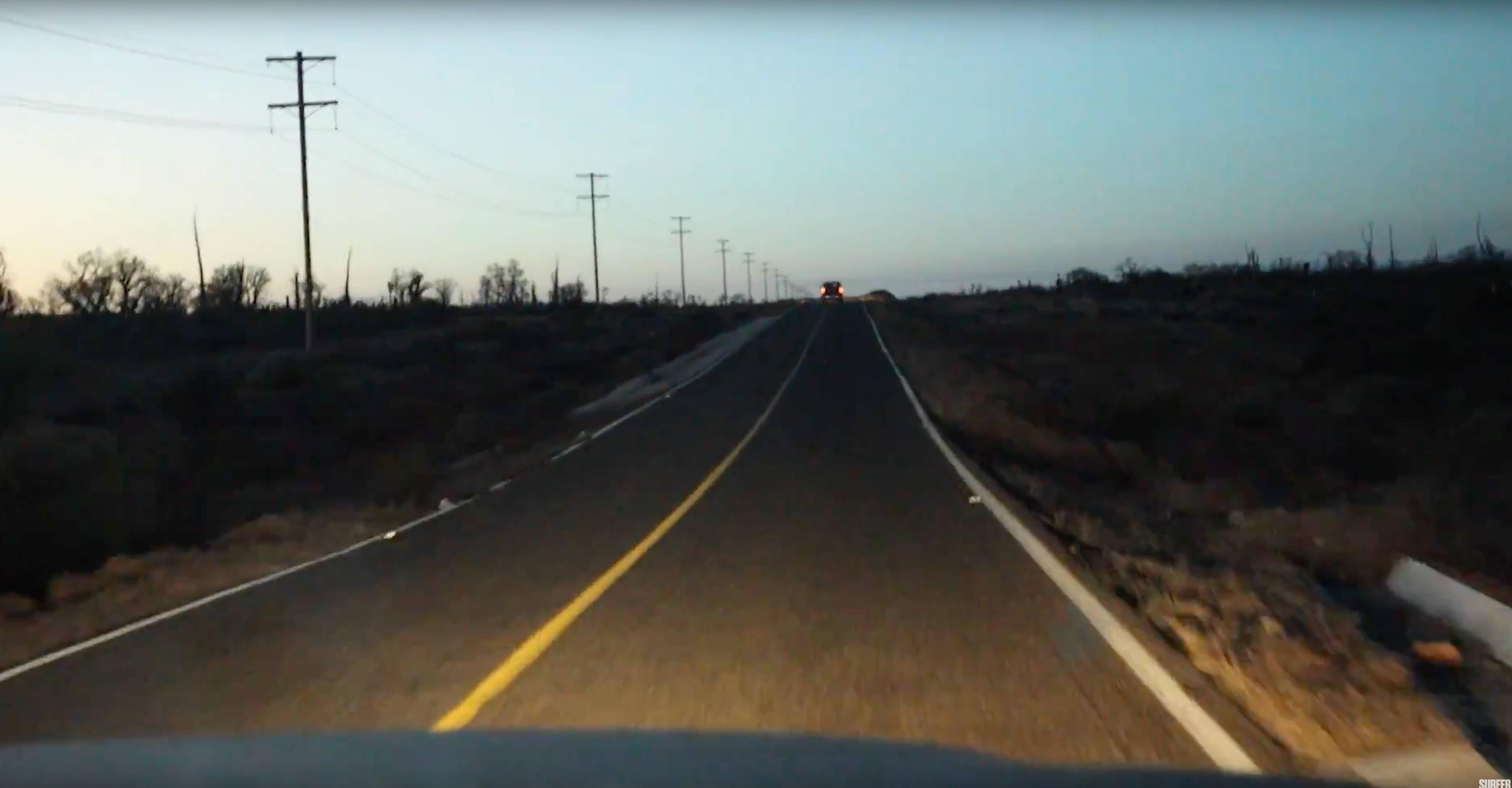 Eine Aussicht, die Gänsehaut macht - zumindest wenn man schon einmal in seinem Leben einen Roadtrip unternommen hat.