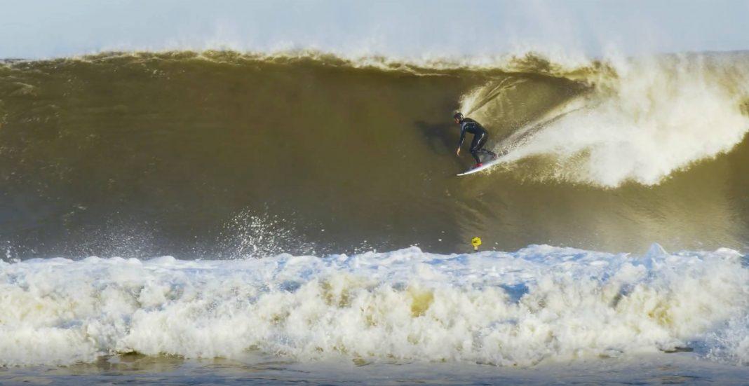 Kann es für Kelly Slater zu kalt werden, um zu surfen?
