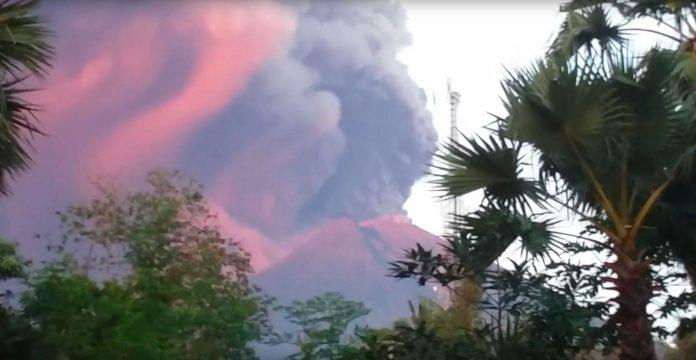 Bricht der Vulkan Agung auf Bali jetzt aus?