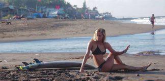 Chelsea Tuach tourt duch Indo