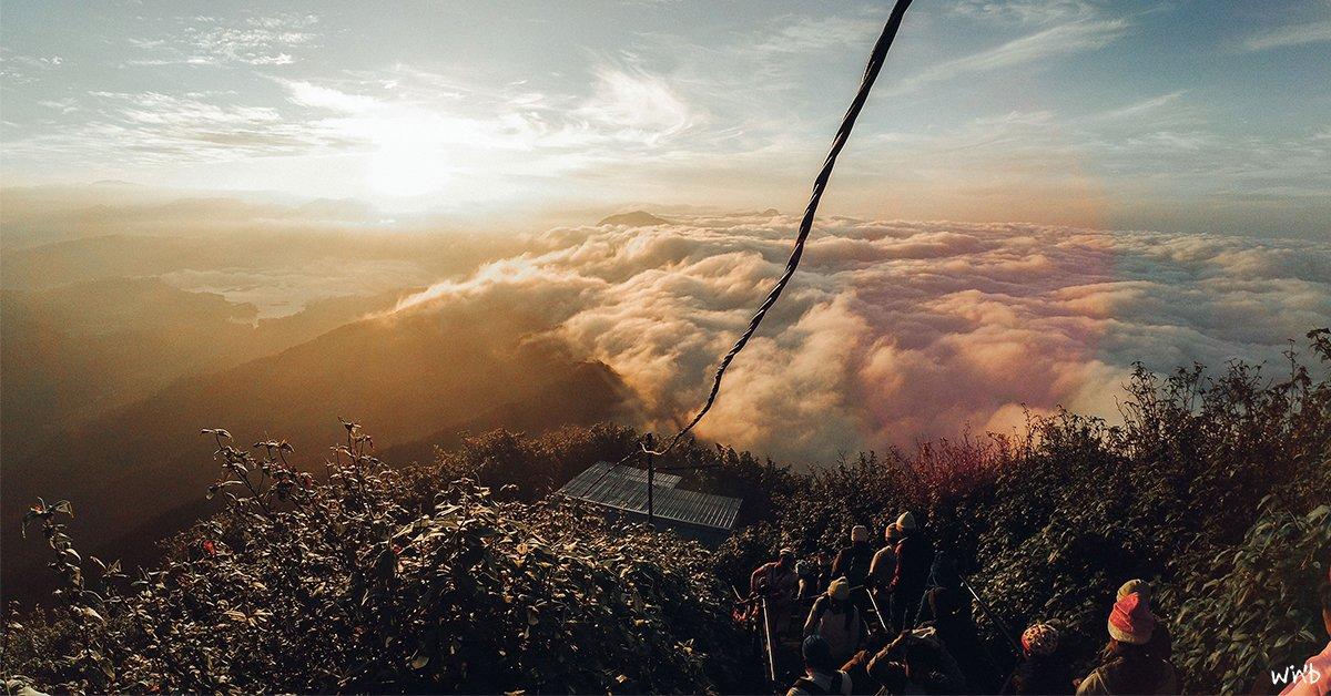 Der magische Ausblick vom Adam's Peak