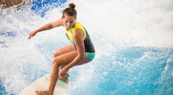 Indoor-Surfen in der Jochen Schweizer Arena