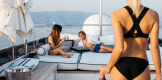 Leonardo Fioravanti in den neuen Quiksilver Highdye Boardshorts