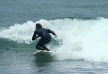 Dane Reynolds surft ein Bodyboard