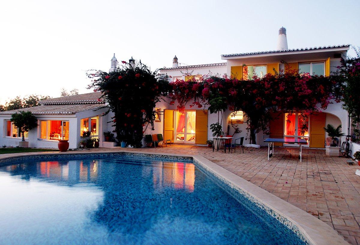 """Hier wohnt ihr während der """"Beer, Beef & Barrel""""-Woche: In der schönen Vila Catarina an der Algarve."""
