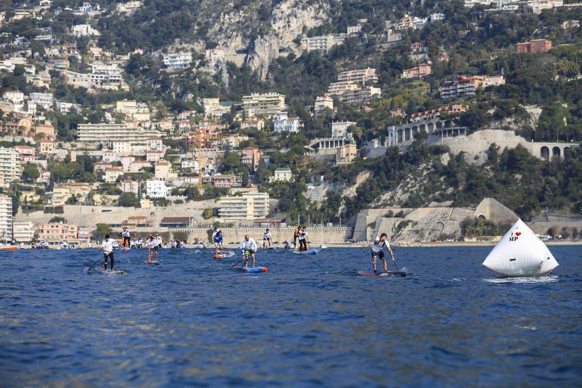 So sieht ein SUP Race Contest am Mittelmeer normalerweise aus...