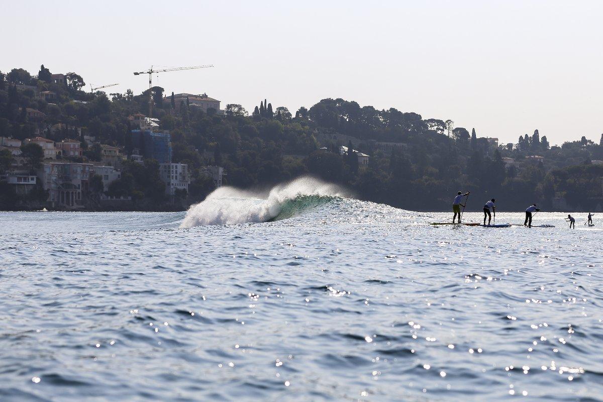 Und so sah es am vergangenen Sonntag vor Nizza dann wirklich aus – Traumbedingungen für jeden Surfer!